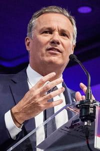 Dupont-Aignan : le candidat le plus riche