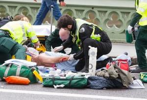 Trois morts, une vingtaine de blessés